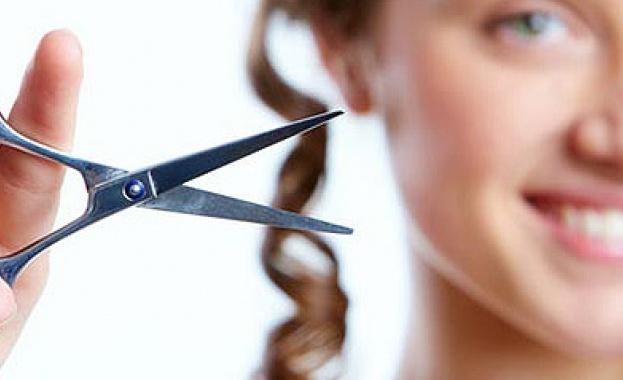 Данъчни започват проверки на фризьори и козметици
